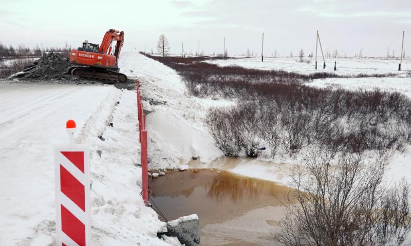 Демонтаж моста на автодороге Лабытнанги – Харп